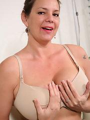 Redbone girl nude pics